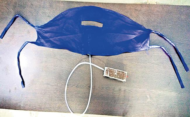 Students Innovated Electronic Mask in Hyderabad - Sakshi