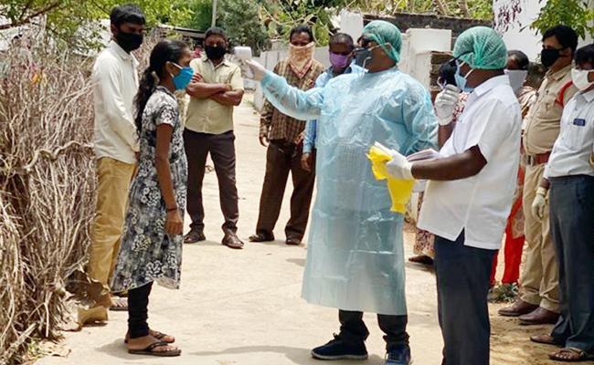 Coronavirus Case File in Yadadri Police Station Constable - Sakshi