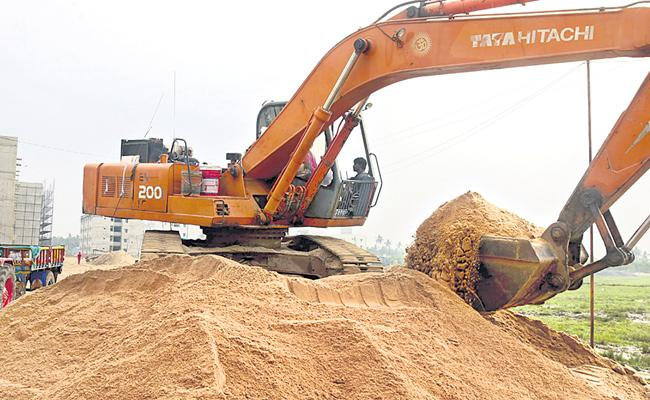 Ongoing Sand Excavation In 34 Reichs In 19 Districts In Telangana - Sakshi