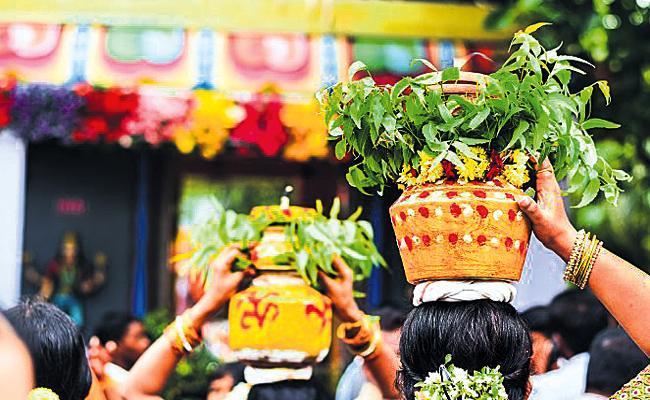 Coronavirus Effect on Hyderabad Bonalu Festival - Sakshi
