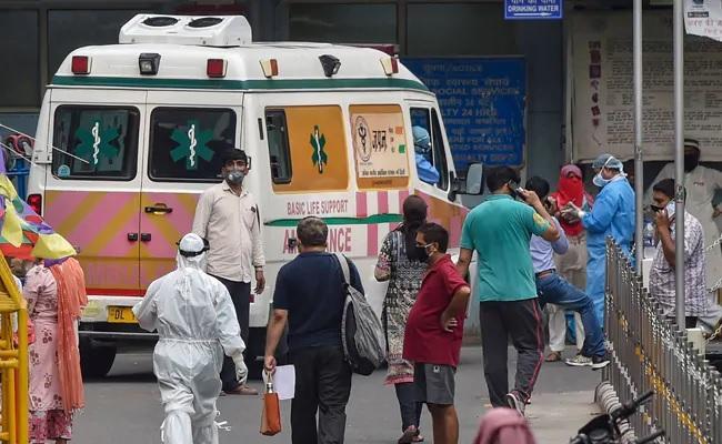 Delhi Government Said 5000 Beds Vacant Corona Patients - Sakshi