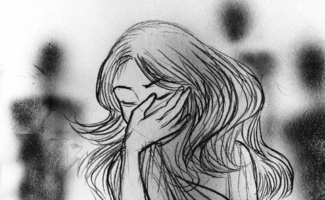 Wife Complaint Domestic violence Case on Husband in Kurnool - Sakshi