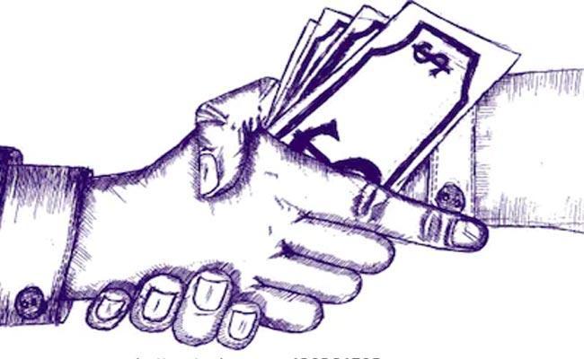 Corruption Cases In Revenue Department In Telangana - Sakshi