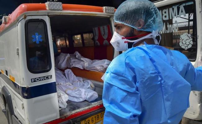 Man Dies Coronavirus Symptoms After No Admission In 18 Hospitals In Bengaluru - Sakshi