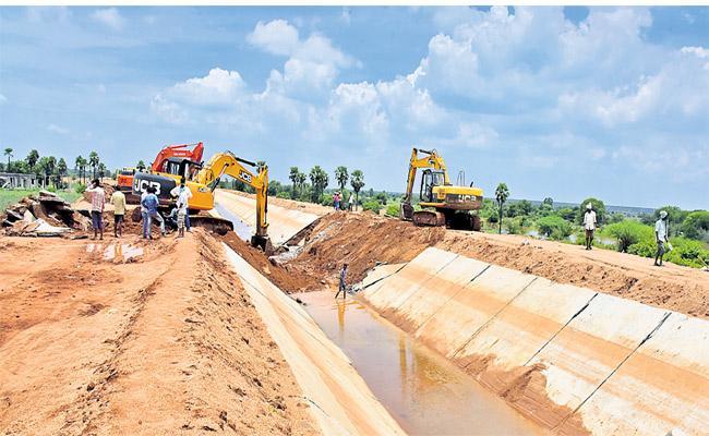 Negligence Regarding Canal In Telangana - Sakshi
