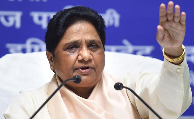 Mayawati Demands SC Monitored Probe On Vikas Dubey Encounter - Sakshi