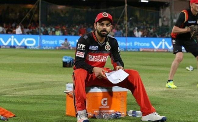 Aakash Chopra Says Why Virat Kohli Is Not Successful Captain In IPL - Sakshi