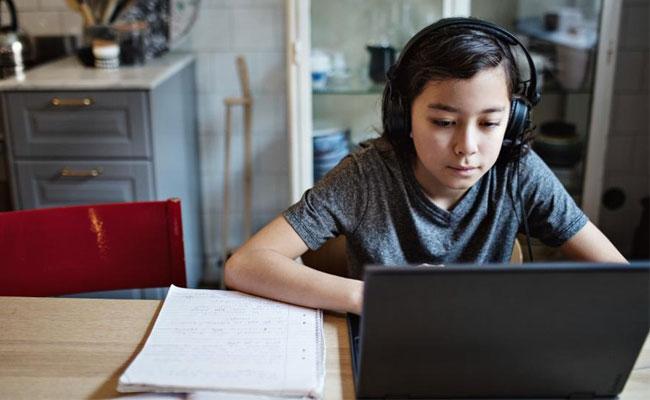Madabhushi Sridhar Writes Story Over Online Education In Covid Crisis - Sakshi