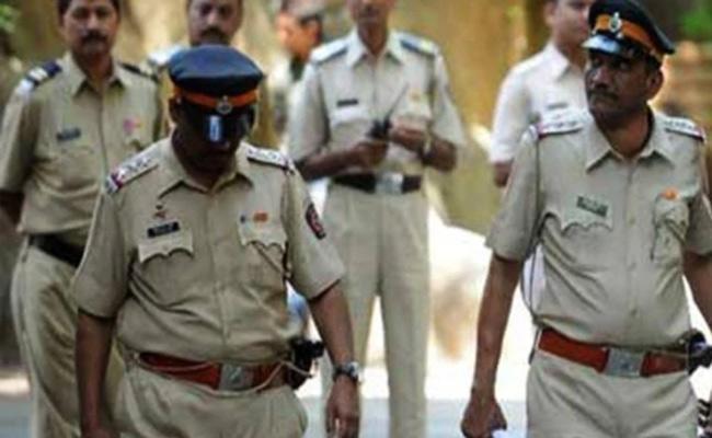 Man kills Sister And Her Lover For Family Honour In Uttar Pradesh - Sakshi