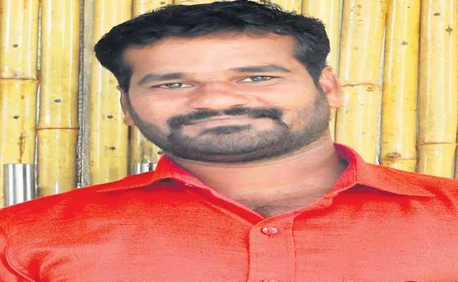 Gulf Migrant workers Requests Government For Free Quarantine - Sakshi