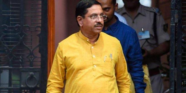 Pralhad Joshi Says Monsoon Session Of Parliament To Be Held    - Sakshi