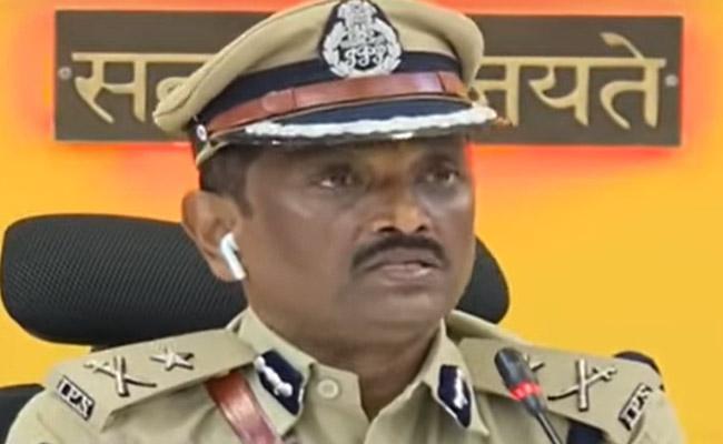 Police Arrested Other 4 Members In Vijayawada Gang War Case - Sakshi