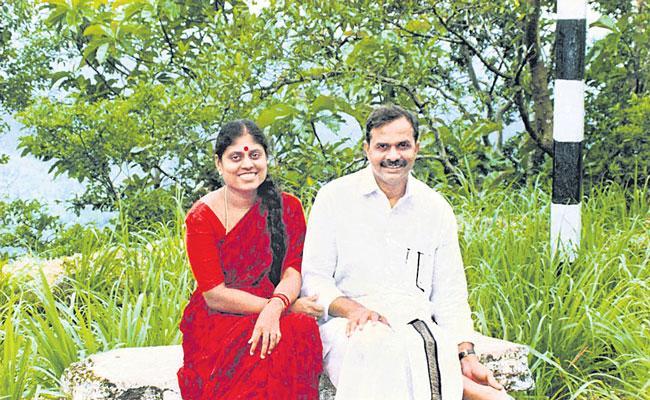 ABK Prasad Guest Column On YS Vijayammas Book Nalo Nath YSR - Sakshi