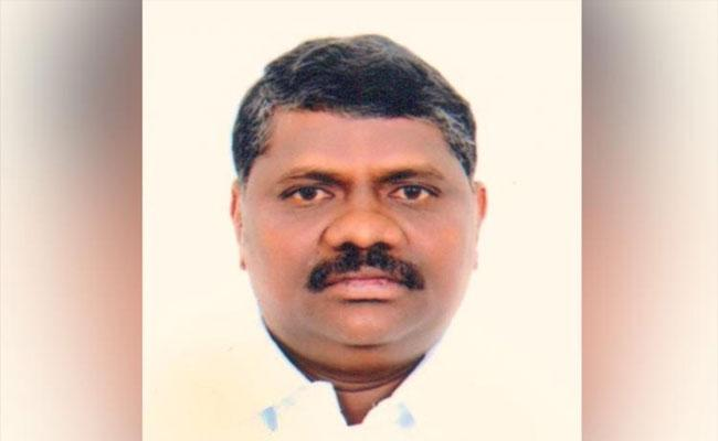 Villagers Rally To Demand Release Of MLA In Tamil Nadu - Sakshi