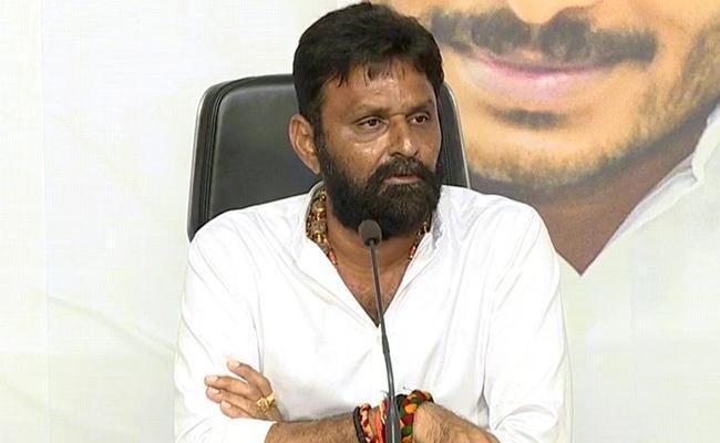 Kodali Venkateswara Rao Arranges Special Bus For Coronavirus Test At Gudivada - Sakshi
