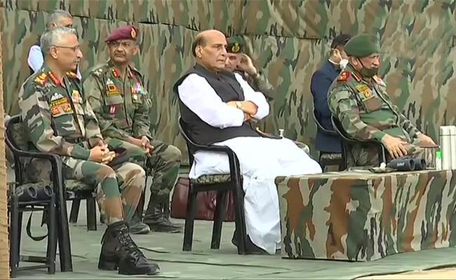 Rajnath Singh Visits Ladakh Amid India China LAC Standoff - Sakshi