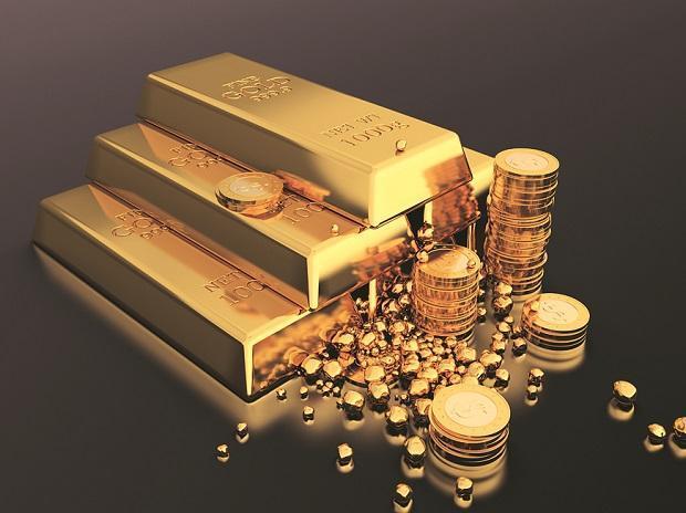 June gold imports plunge 86% year-on-year to 11 tonnes - Sakshi