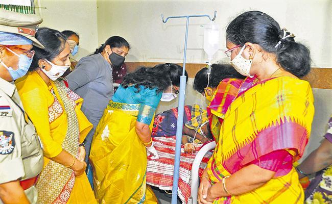 Vasireddy Padma Met Molestation Victim - Sakshi