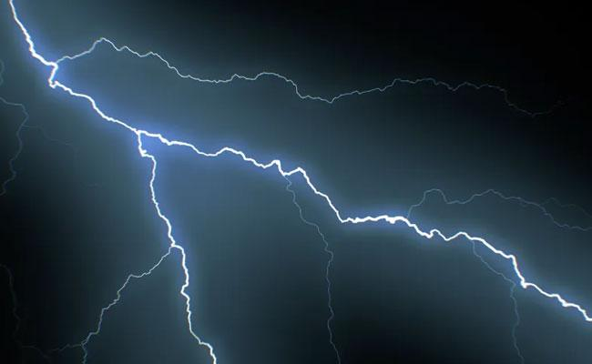 Three Deceased Lightning Strike In Jammu And Kashmir - Sakshi
