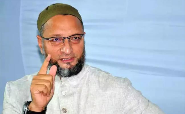 Asaduddin Owaisi Advice to Muslims on COVID 19 Tests For Baqr Eid - Sakshi