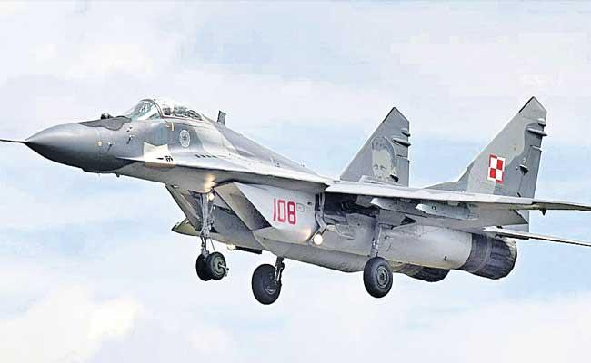 Warplanes Reached To Ladakh By Indian Government - Sakshi
