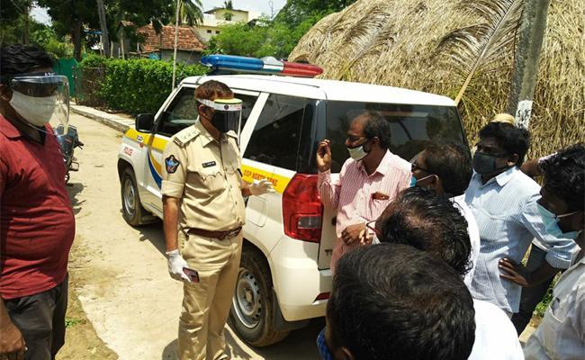 Sub Inspector Police Arrest in SC Man Head shaving Case East Godavari - Sakshi