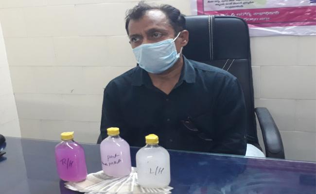 DMHO Caught While Demanding Bribery in Gadwal - Sakshi