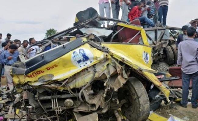 6 Years Completed Masaipet School Bus Accident Parents Grieves - Sakshi