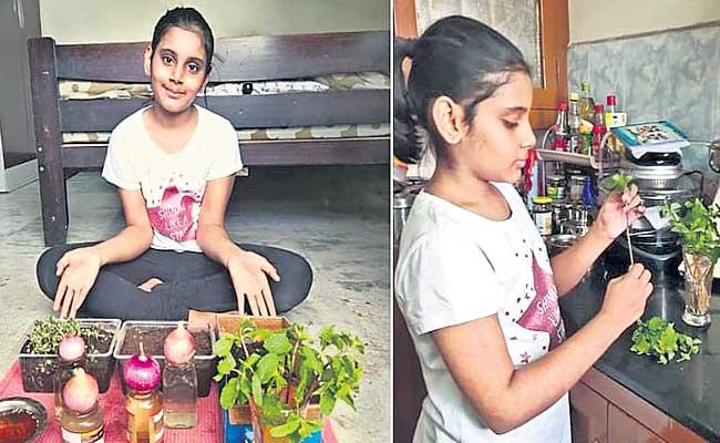 Jennifer Clement Teaching Her Daughter About Cooking In Lockdown - Sakshi
