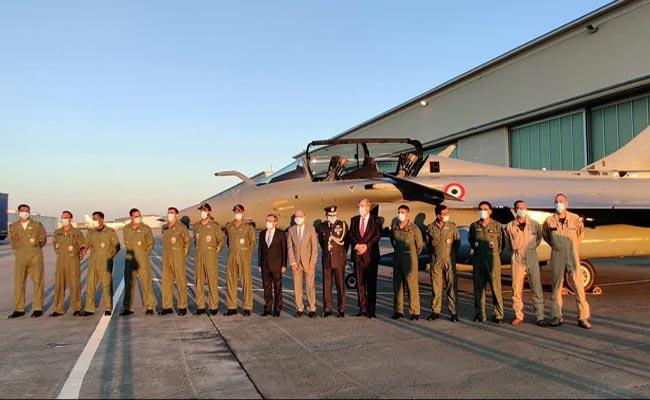Five Rafale Jets Taking Off From France And To Reach In Ambala Air Force - Sakshi