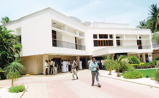 Eight Thousend Things From jayalalithaa House to Trust Tamil Nadu - Sakshi