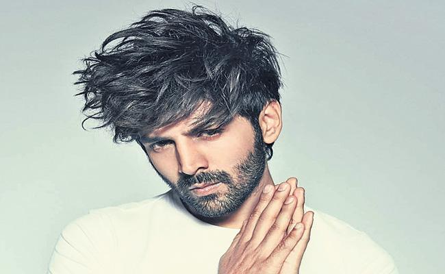 Kartik Aaryan to star in Ala Vaikunthapurramuloo hindi remake - Sakshi