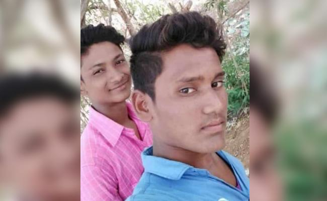 Best Frinds Decased in Bike Accident While Drunk And Drive Adilabad - Sakshi