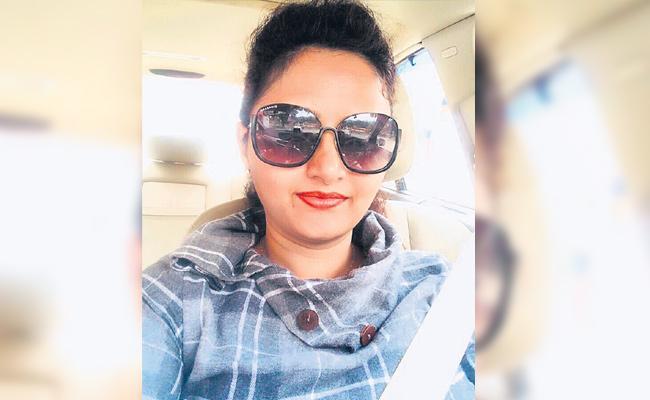 International Award For Rekha Boyalapalli For Social Service in Lockdown - Sakshi