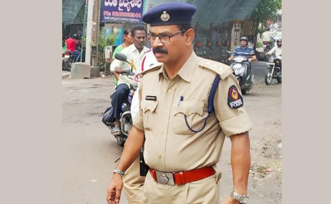 DSP Rajendra Kulkarni Departed With Heart Attack - Sakshi