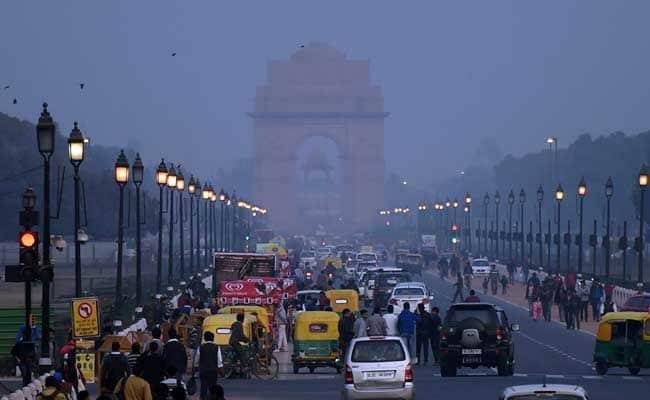 Tremors Were Felt In Delhi And Adjoining Cities - Sakshi