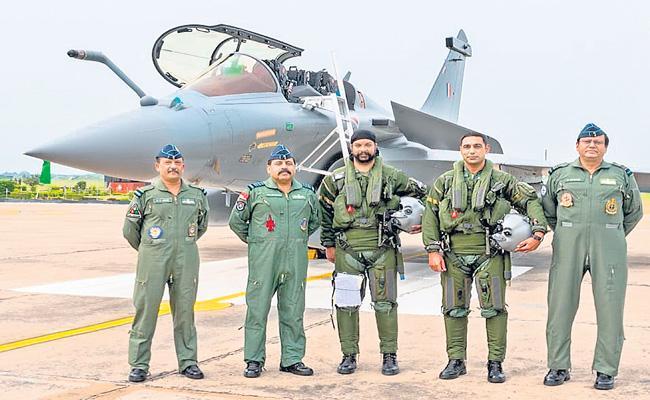 Rafale fighter jets land at IAF airbase in Ambala - Sakshi