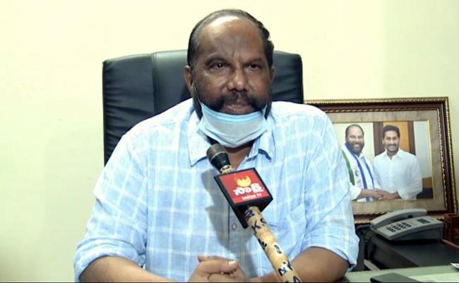 MLC Pandula Ravindra Talks In Press Meet Over 3 Capitals Bill In East Godavari - Sakshi