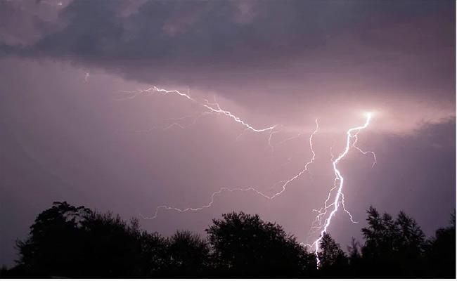 Heavy Rainfall In Coming 3 Days In Rayalaseema And Coastal Andhra - Sakshi