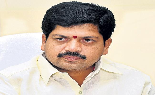 TDP Leader Kollu Ravindra taken into police custody - Sakshi