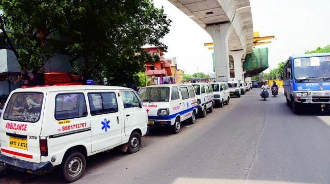 private ambulances in Telangana lack basic equipment - Sakshi