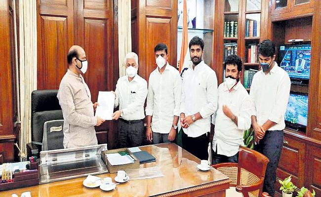 YSRCP MPs Comments at media conference - Sakshi