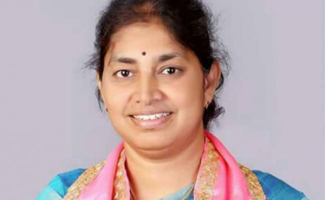 Alair TRS MLA Gongidi Sunitha Tested Covid Positive - Sakshi