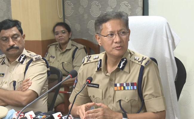 AP DGP Sawang appreciates police department's services amid coronavirus - Sakshi