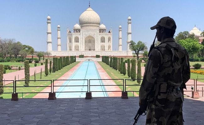 Government Withdraws Plan For Taj Mahal Reopening - Sakshi