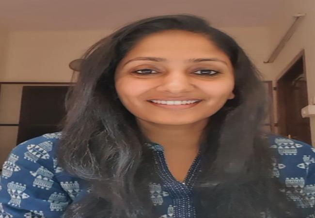 Anchor Jhansi Classification Over Her Isolation - Sakshi