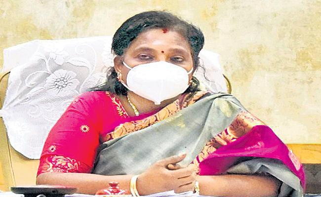 Tamilisai Soundararajan Review Meeting WIth Private Hospitals Management - Sakshi