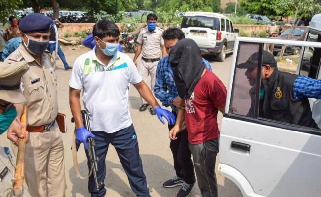 UP Gangster Vikas Dubeys Aide Tested Corona Positive - Sakshi