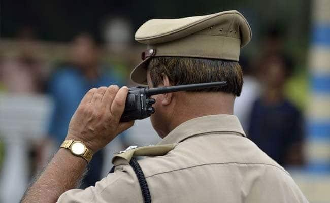 Tamil Nadu Cop Forced To Retire For Calling Woman At Midnight - Sakshi