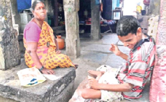 Woman Who Grows Up An Orphan Boy YSR Kadapa District - Sakshi